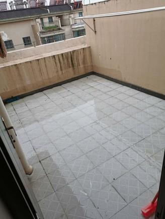 京华园南苑,顶楼复式,楼上楼下层高一样,两大露台