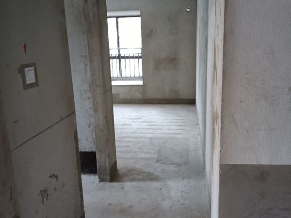 出售罗马世纪城米兰阳光3室2厅1卫101平米42万住宅