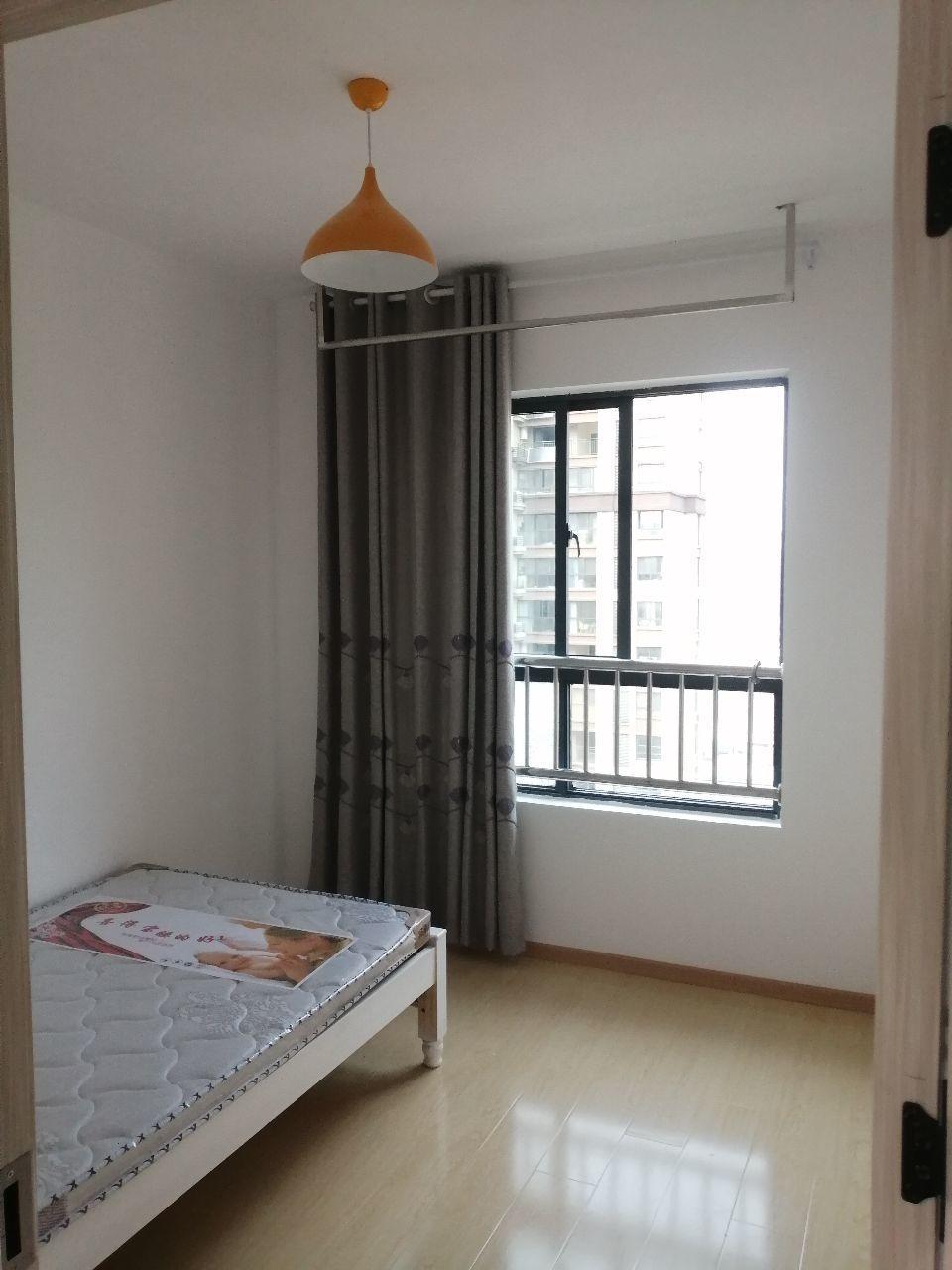 出租北京城建 金城华府1室1厅1卫30平米600元/月住宅
