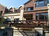 金鹏玫瑰郡别墅 6室4厅4卫 230平米 西边户 前后大院子100平米