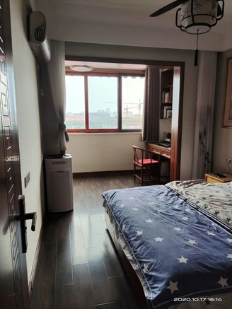 急售金鹏麓山院6室2厅2卫产证188平米!豪装120万。报价220万住宅