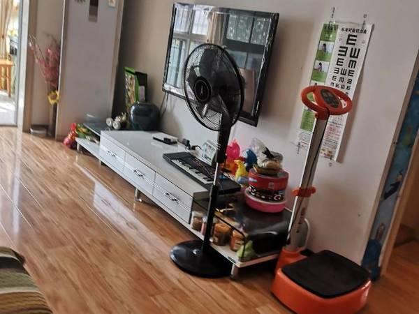 出租东升花园3室2厅1卫128平米2000元/月住宅