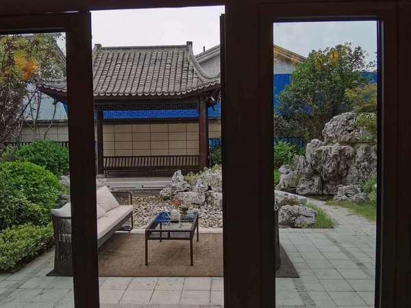 荣盛锦绣官邸 调高复试公寓 位于高铁站 对面 近学区 近公交 近轻轨 位置好
