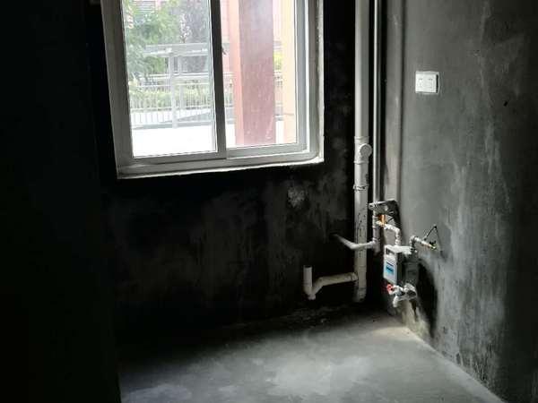 城南 东坡路中学对面 品质小区 周边配套齐全 居家生活方便 看房有钥匙