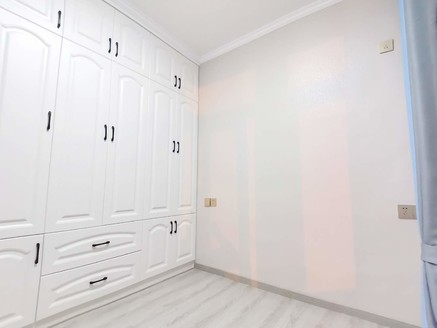 老二院旁西苑小区 2楼 精装修 3室