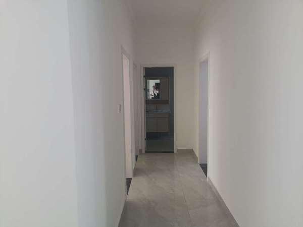 水岸星城精装全配3室 产证面积97平 家主装好后家主工作调动到外地 所有出售