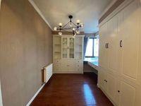 出售高速东方天地4室2厅2卫120平米146.8万住宅