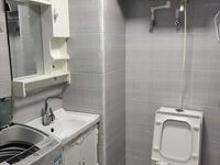 出租苏宁广场1室1厅1卫52平米1700元/月住宅