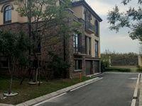 祥生 十里 稀缺高档独栋别墅,绿化覆盖率高,干净整洁,内有健身器材和广场,