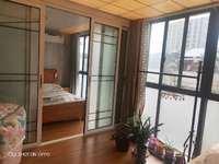 皖东国际车城,三室两厅两卫。复式楼上楼下200 平。楼上精装 楼下简装,45万
