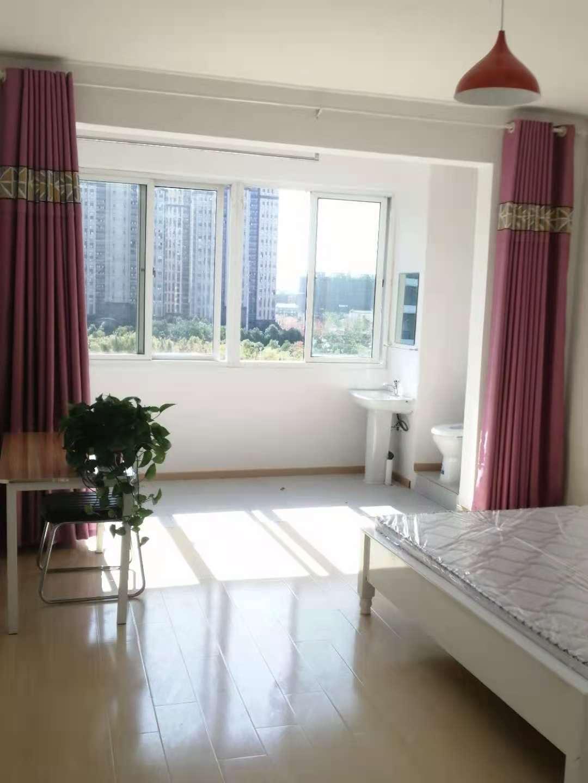 合租 金城华府 书香雅苑 500到900,精装修全配,有阳台,主卧,带卫生间。