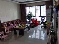 裕坤丽景城 大4室 精装房 房子保护的好 诚心出售 价格好谈 无税无尾款