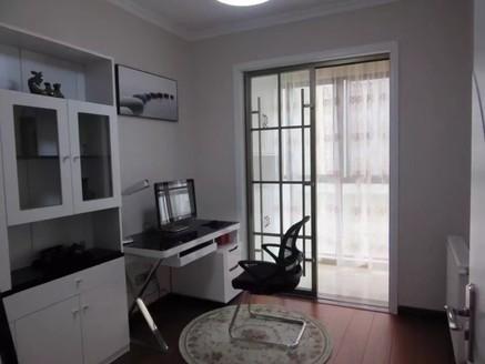 出售南湖一号3室2厅1卫121带暖气设备豪华装修
