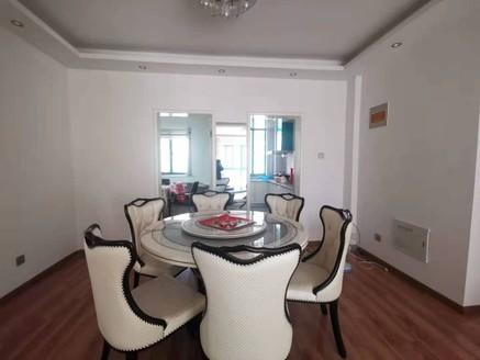 出售金色河畔2室2厅1卫94平米85万住宅