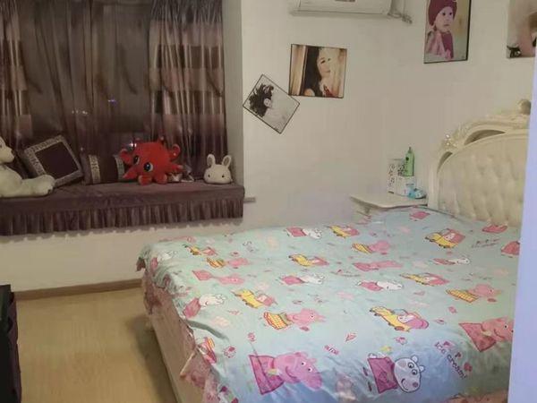 出售泰鑫中环国际广场2室2厅1卫95平米86.8万住宅