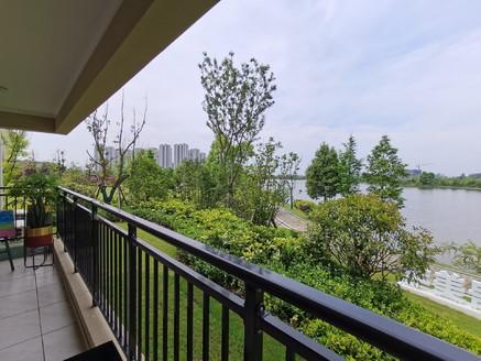 """城南轻轨旁高铁板块""""湖景洋房""""116平米三房两厅两卫58万住宅"""