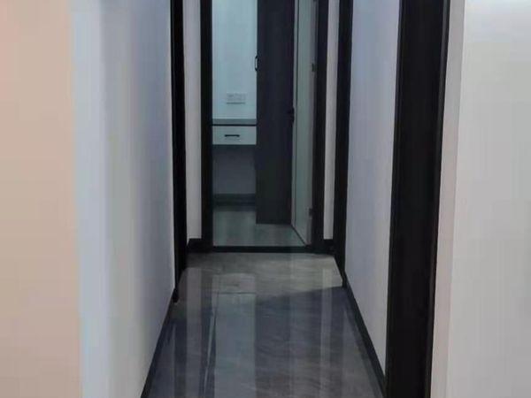 紫龙府旁!使用面积100平!七彩世界 欢乐城一期3室2厅1卫81万精装住宅