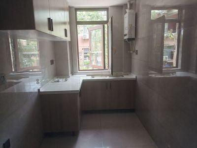 出售金色河畔1楼车库加高相当于23室2厅1卫111平米113.8万精装未住过住宅