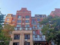 出售英仕公馆洋房顶楼复试5室3厅3卫166加60平米前后大露台
