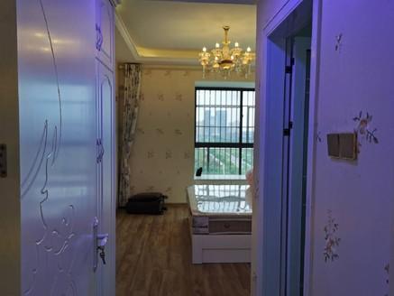 发能凤凰城豪装婚房,几乎没住客厅通阳台,南北通透,无税无尾款