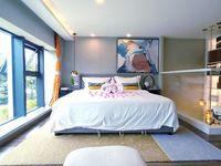 高铁站轻轨口,荣盛锦绣观邸2室1厅2卫66平米20万复式公寓,员工价,5260起