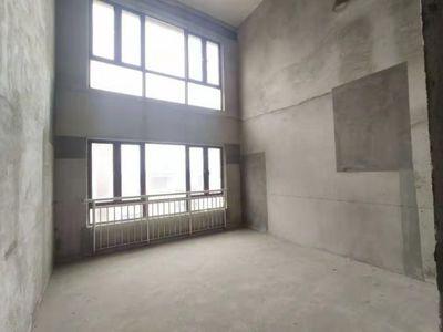出售翰林雅苑5室3厅3卫196平米138万住宅,看房随时,密码锁