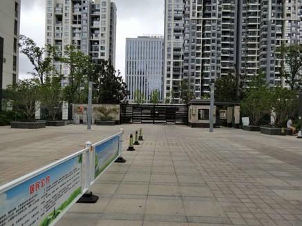 阳光都市 纯东边户复式,买一层送一层,4室2厅 2卫2储物间1衣帽间,紧邻市政府