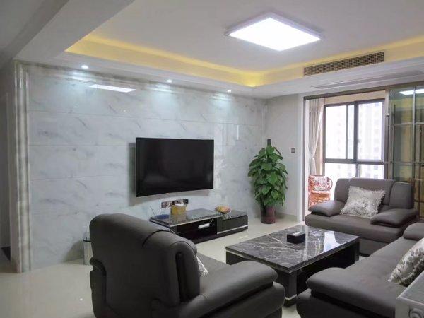 出售南湖一号121平米豪华装修带暖气设备,南北双阳台