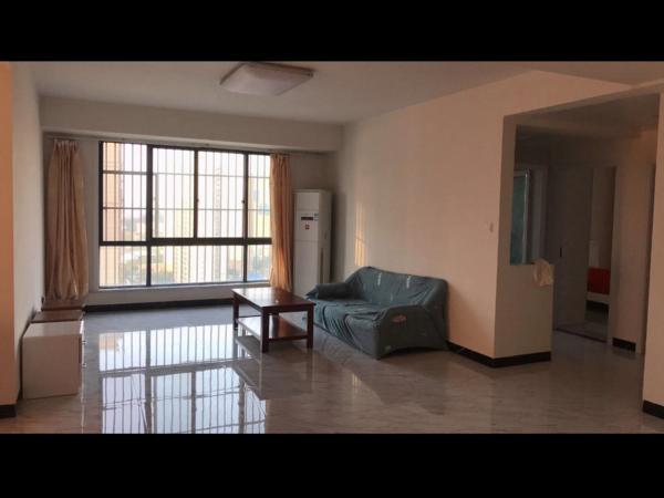 出租汇鑫大成国际3室2厅1卫123平米2300元/月,靠近二附小,可短租