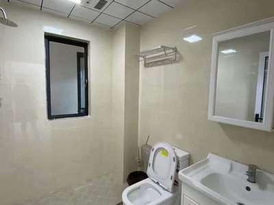 精装一次未住市政府轻轨口发能国际城3室2厅1卫采光无遮挡