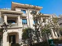 城南仕府公馆别墅,产证260平,上下三层,院子有150平左右,赠送地下车位一个