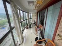 凤凰湖边景观房,精装四室,拎包入住
