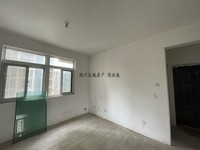 市中心 三里亭板块红叶山庄18楼西边边户93平纯毛坯两室可改三室