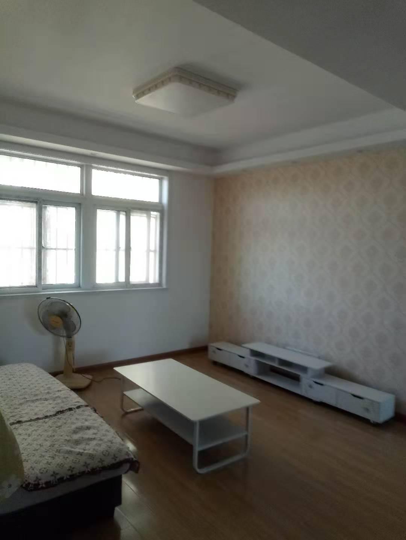 279红叶山庄8楼 2室 93平米精装全配 1800元