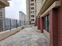 城南吾悦对面 珑熙庄园电梯洋房7加1层 复式 5室3厅2卫 送大露台