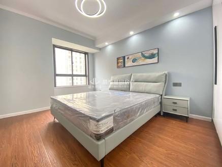 出售金城华府,清风明月,旁,3室2厅,豪装全配,一天未住,103平,122万