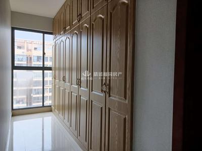 出售发能国际城,精装修,4室2厅2卫,138平,142.8万,看中价格好谈