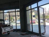 凤凰湖畔门面 3间显目大门头 适合各个行业都可以 买到手即可营业做生意收租金