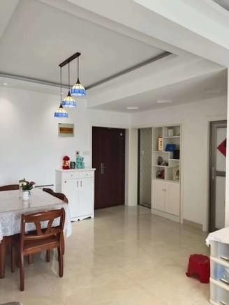 百合花园电梯房 核心地段 品质小区 黄金楼层 精装全配 看房方便
