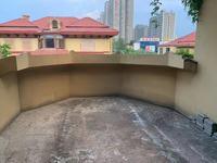 阳光地中海别墅赠送大院子 地下室和车库 一个露台三个阳台 朝南院子40平方