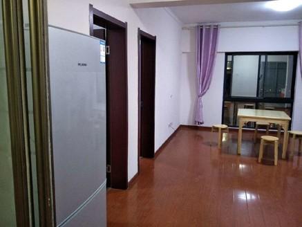 泰鑫城市星座108平方,简单装修,72万