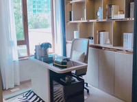 京华园 两室 好楼层 环境优雅商品房 交通方便 轻轨口 花博园就在对面 急售可谈