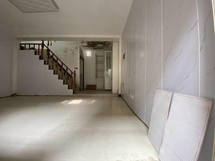 高数公园壹号别墅 豪华精装修现房121平 上下共四层 送前后院子送露台送车位