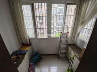 清水湾小区,中央名邸,滨湖小区旁,126平3室2厅1卫,86万