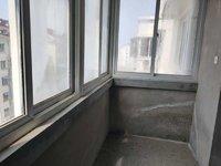 锦绣湖小区 采光极好 6楼赠送70平复式 总面积 180平 抢购价32万性价比高