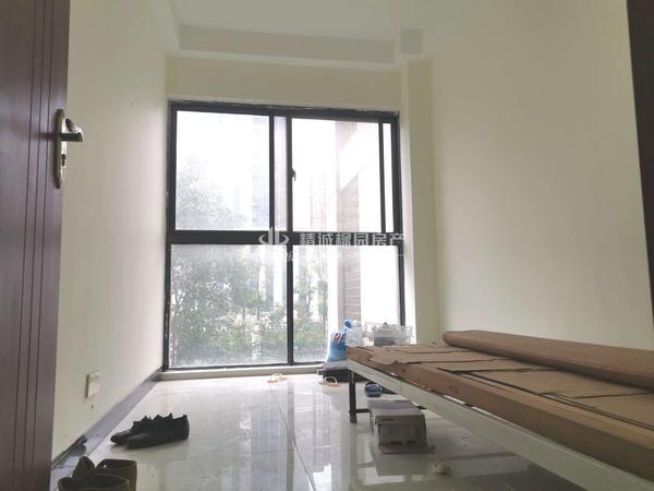 阳光都市,2楼,118平 20平,3室2厅2卫,平层,125.8万,看中可谈