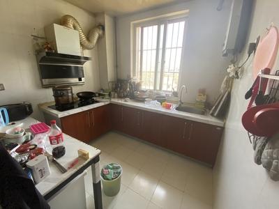 家主急售盛世华庭怡园,88平,2室2厅,黄金楼层,65.8万,价格看中好谈,实价