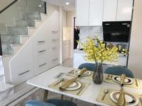 高铁 轻轨口 星荟城挑高复式公寓 特价 首付8万 优惠多多 买一层得两层