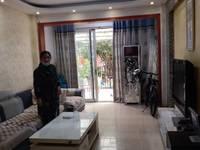 家主诚心出租,自己家住的房子,简单生活实施都有,有空调,希望干净人士居住