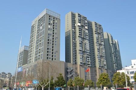 出售白云楼上26楼,70平米,两室两厅,简装,51.8万